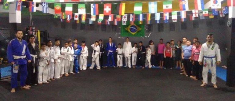 32 Kids Training Free in Sao Paulo